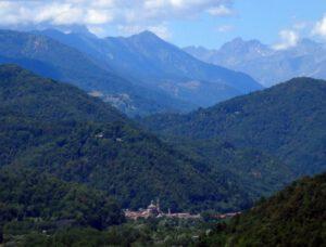 Kapitel 1: Venasca mit Weitblick auf das Valle Varaita - Heimat von Lauro