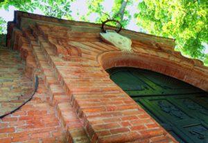 Castello di Calosso - Fenster zum Roero