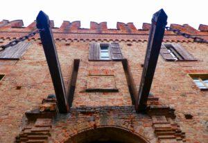 Castello di Montemagno - Aus den Nebeln der Geschichte
